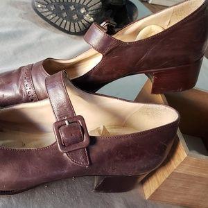 Shoes - Brown Kitten Heel Mary Jane